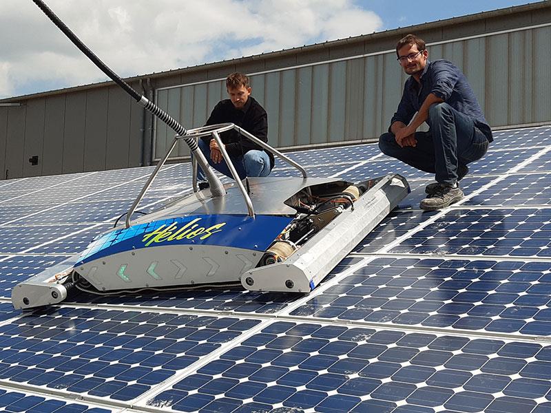 Hélios, le premier robot autonome de nettoyage de panneaux photovoltaïques